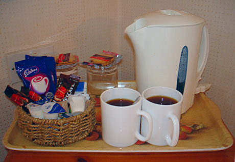 Teasarok egy hotelszobában (Fotó: MsTea)