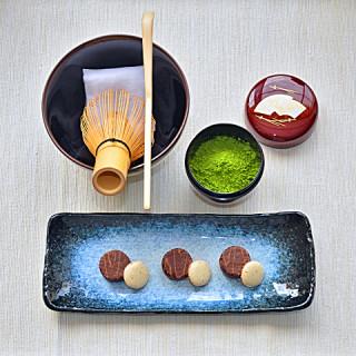 A japán teaszertatás eszközei - előkészületek (Fotó: MsTea)