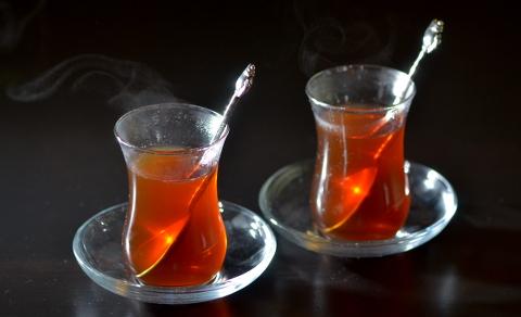 Török tea tulipánpohárban (Fotó: MsTea)