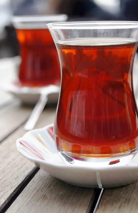 Török tea Isztambulban (Fotó: Kántor Zita)